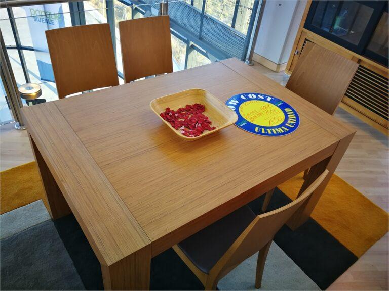 LIQUIDACION mesa extensible en roble y 4 sillas