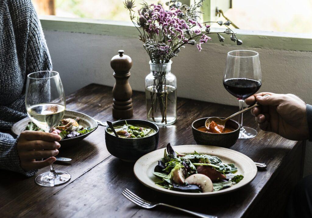 Comedor de diseño cita cena romantica