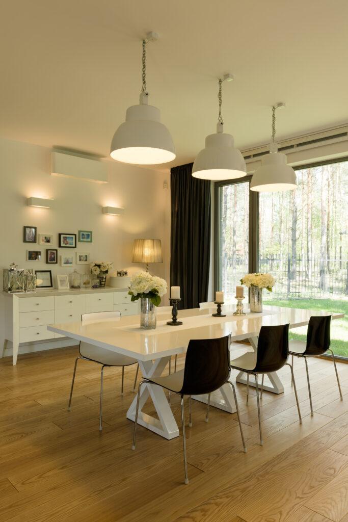 Cómedor de diseño con mesa